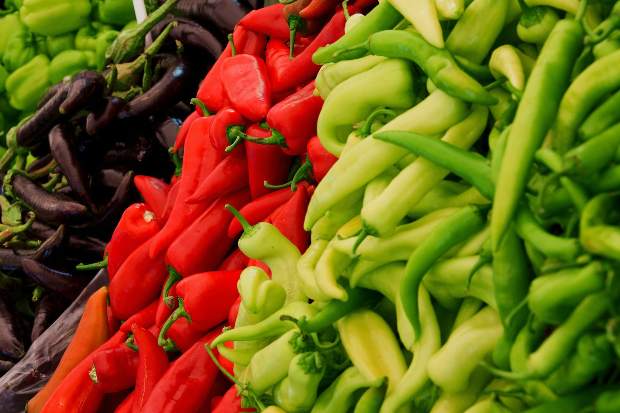 Lovely Peppers - read and green!